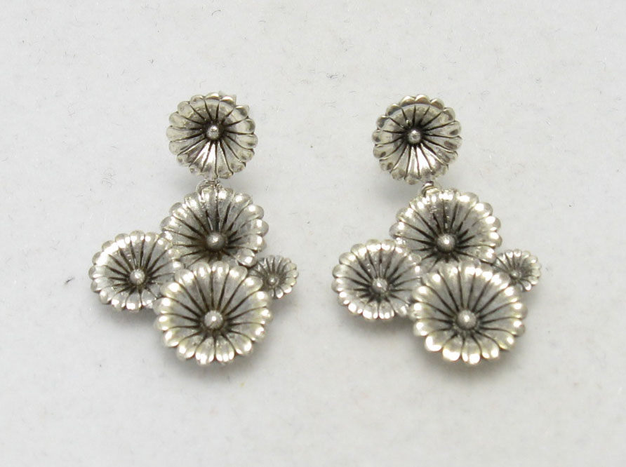 Silver earrings - E000236