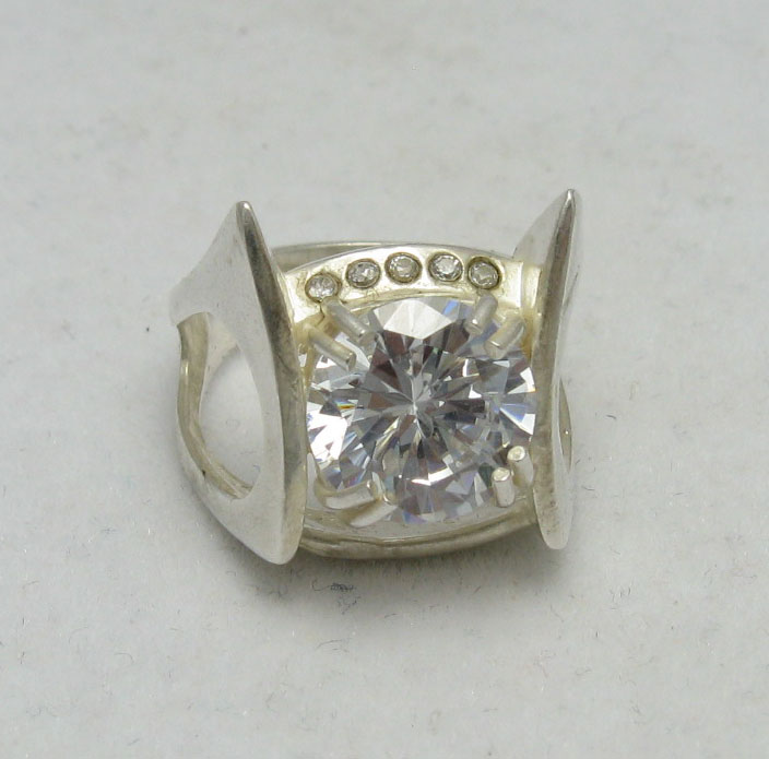 Silver ring - R000044