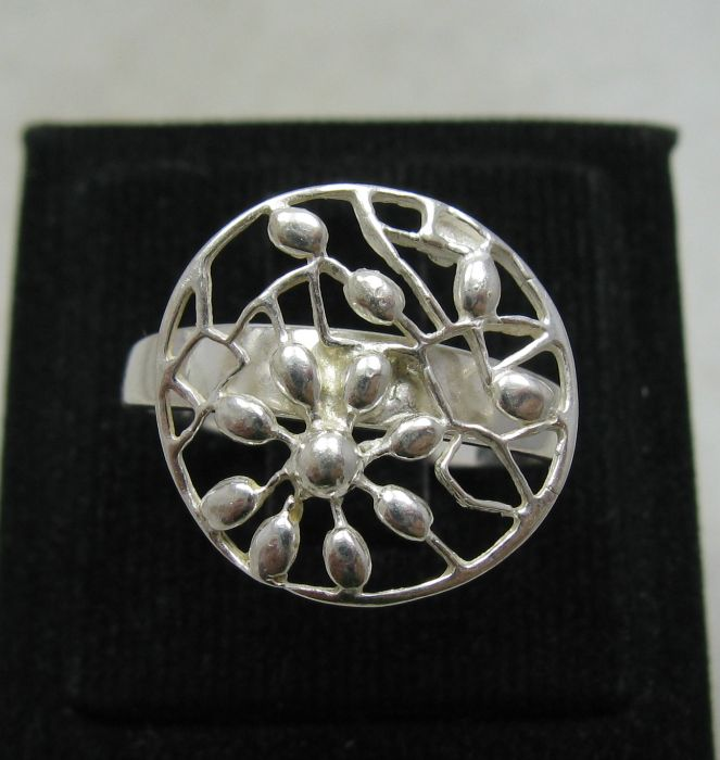 Silver ring - R000380