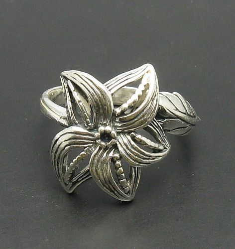 Silver ring - R000419
