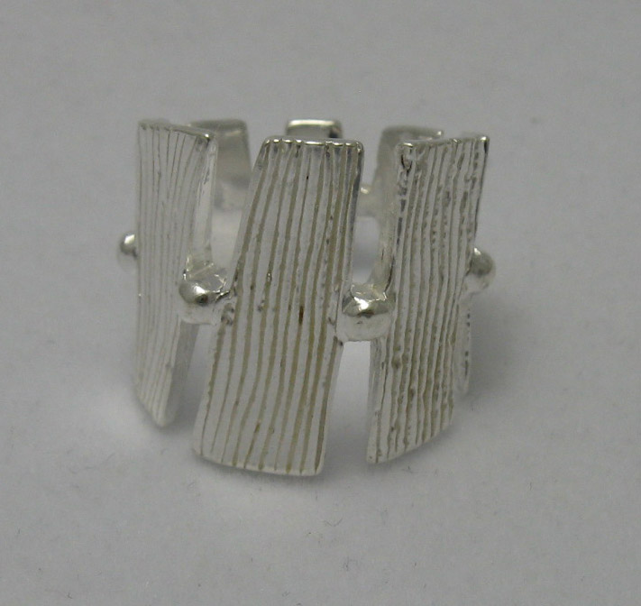 Silver ring - R000544