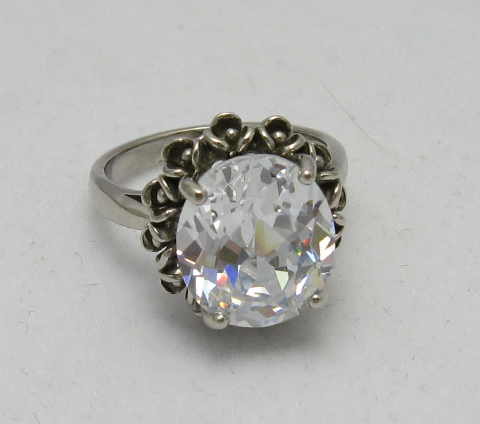 Silver ring - R000565