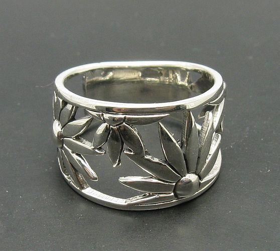 Silver ring - R000671