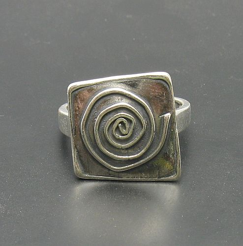Silver ring - R000694