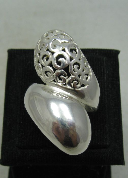 Silver ring - R001135
