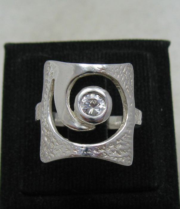 Silver ring - R001179
