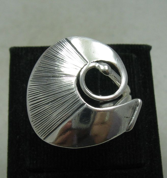 Silver ring - R001199