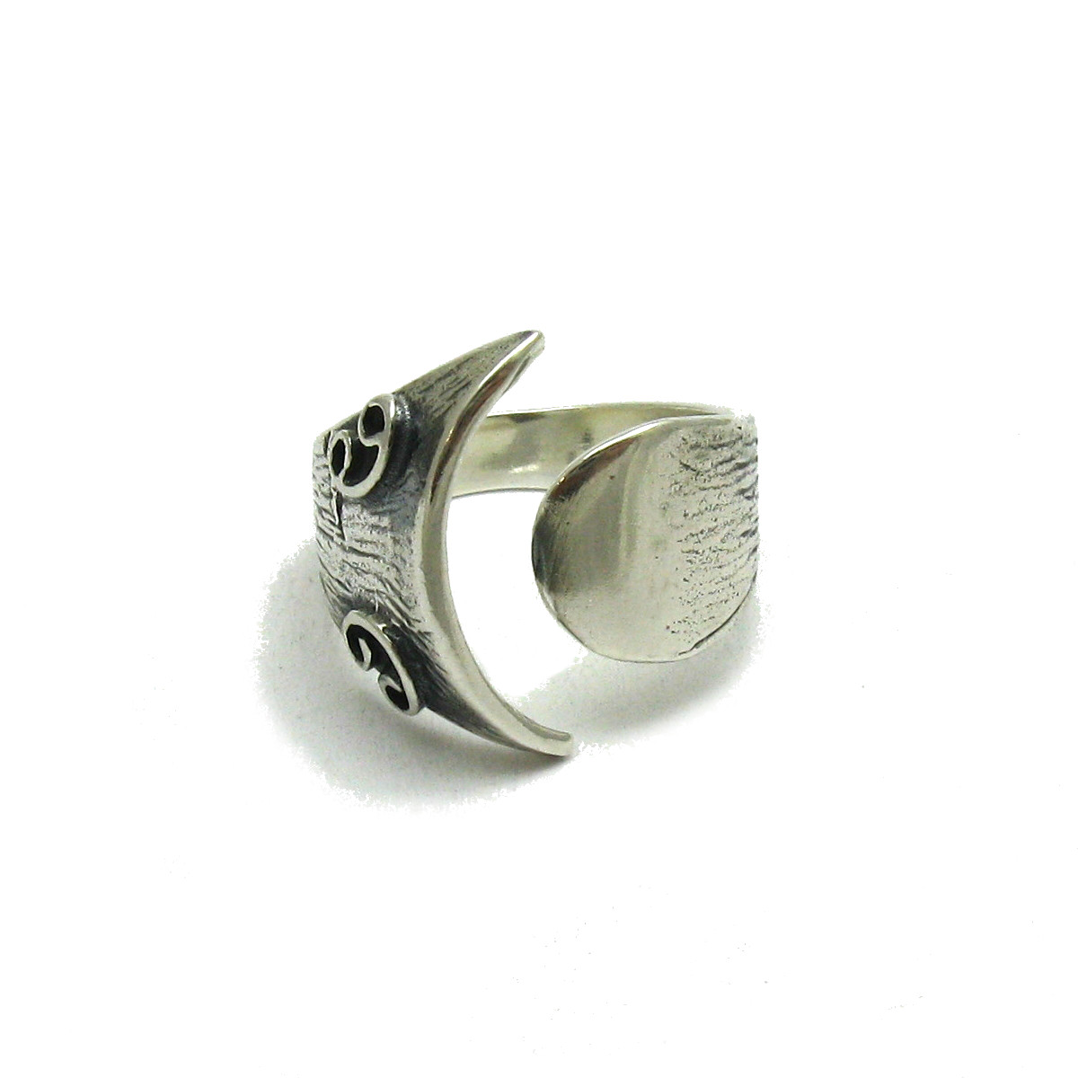 Silver ring - R001629
