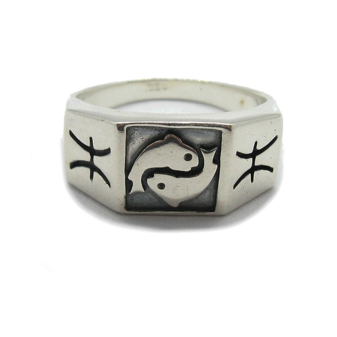 Silver ring - R001809