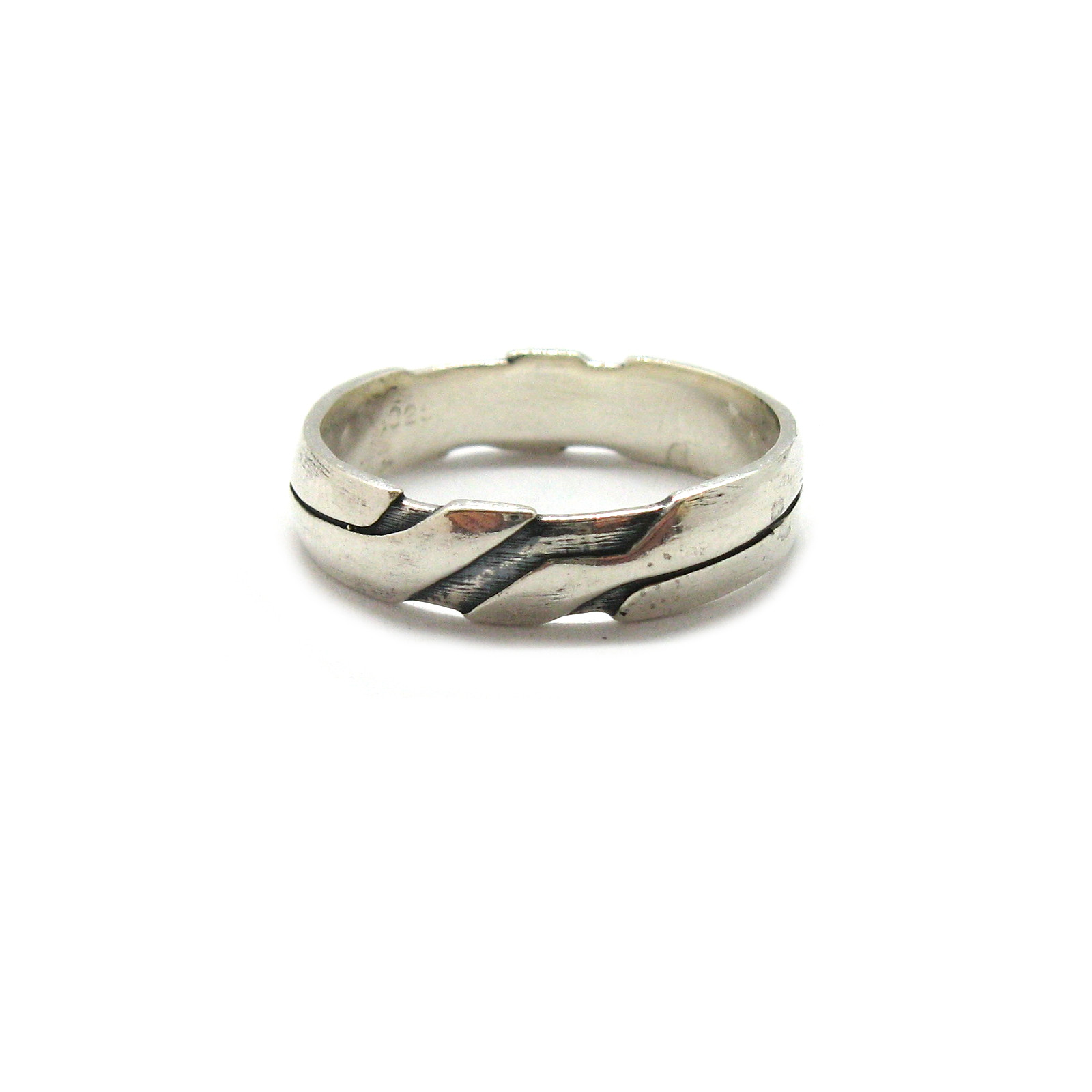 Silver ring - R001908