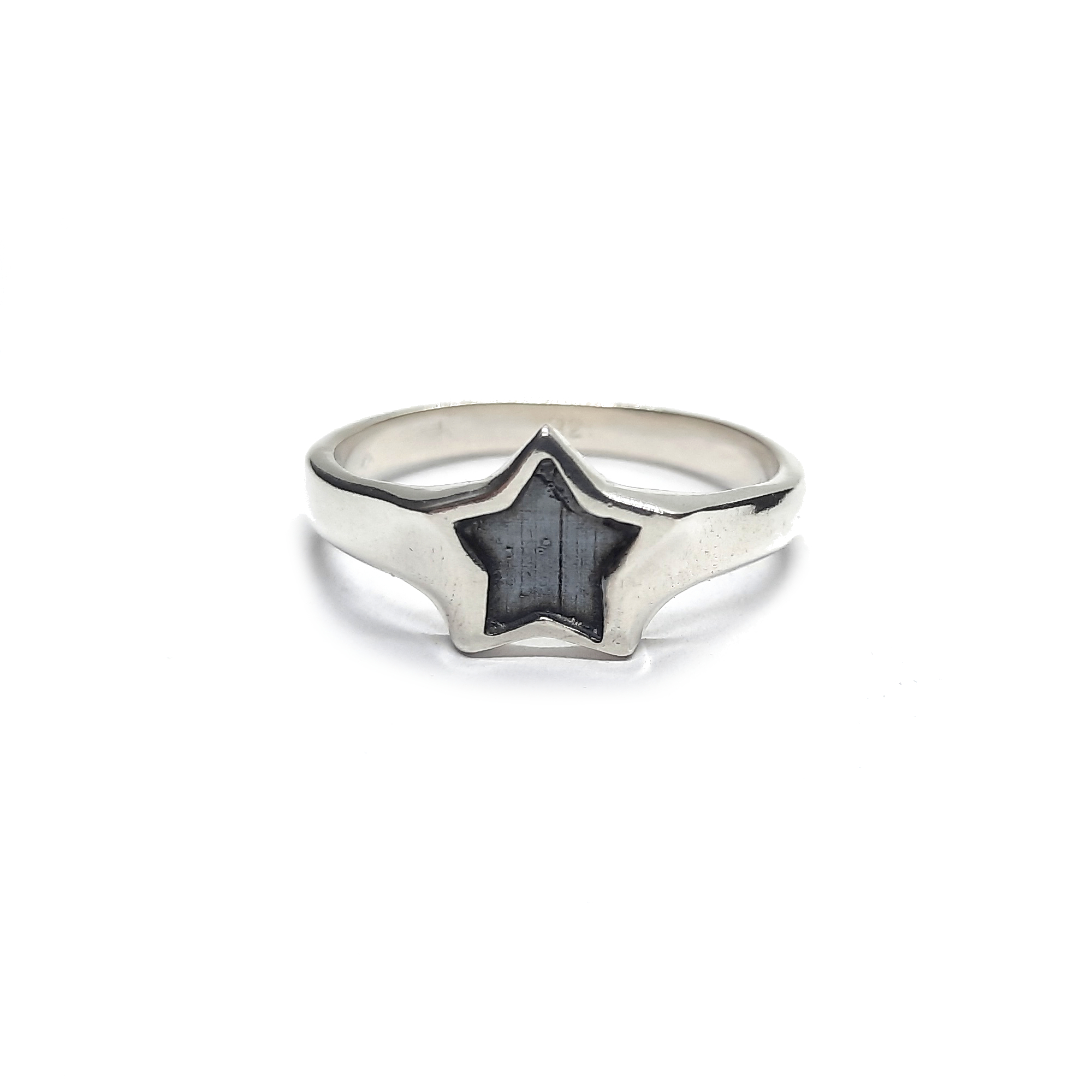 Silver ring - R002259